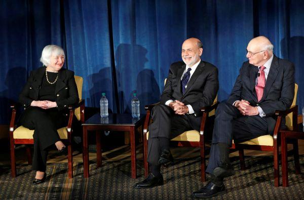 特朗普一再施压美联储 四位前主席实在看不下去了……