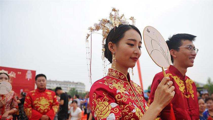 河北黃驊:浪漫七夕結良緣 集體婚禮倡節儉
