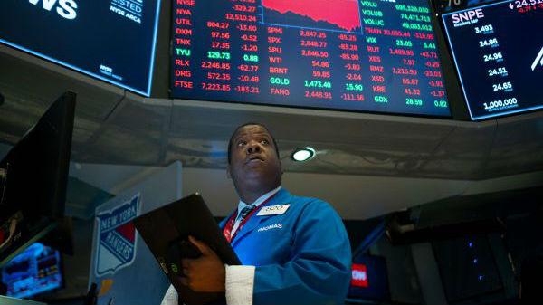 美国乱贴操纵汇率标签引众怒 外媒:或使全球经济陷入衰退