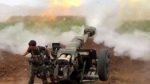 """从空中瞬间""""团灭""""恐怖分子!叙军无人机粉碎自杀袭击"""