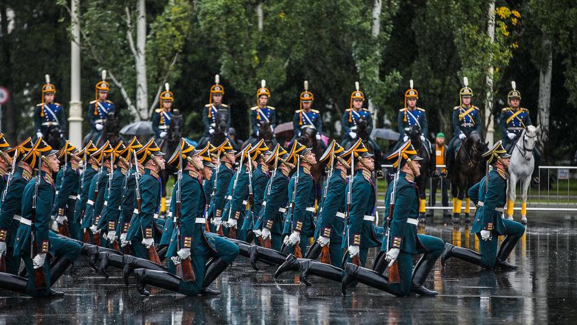 俄羅斯總統警衛團在全俄展覽中心舉行表演