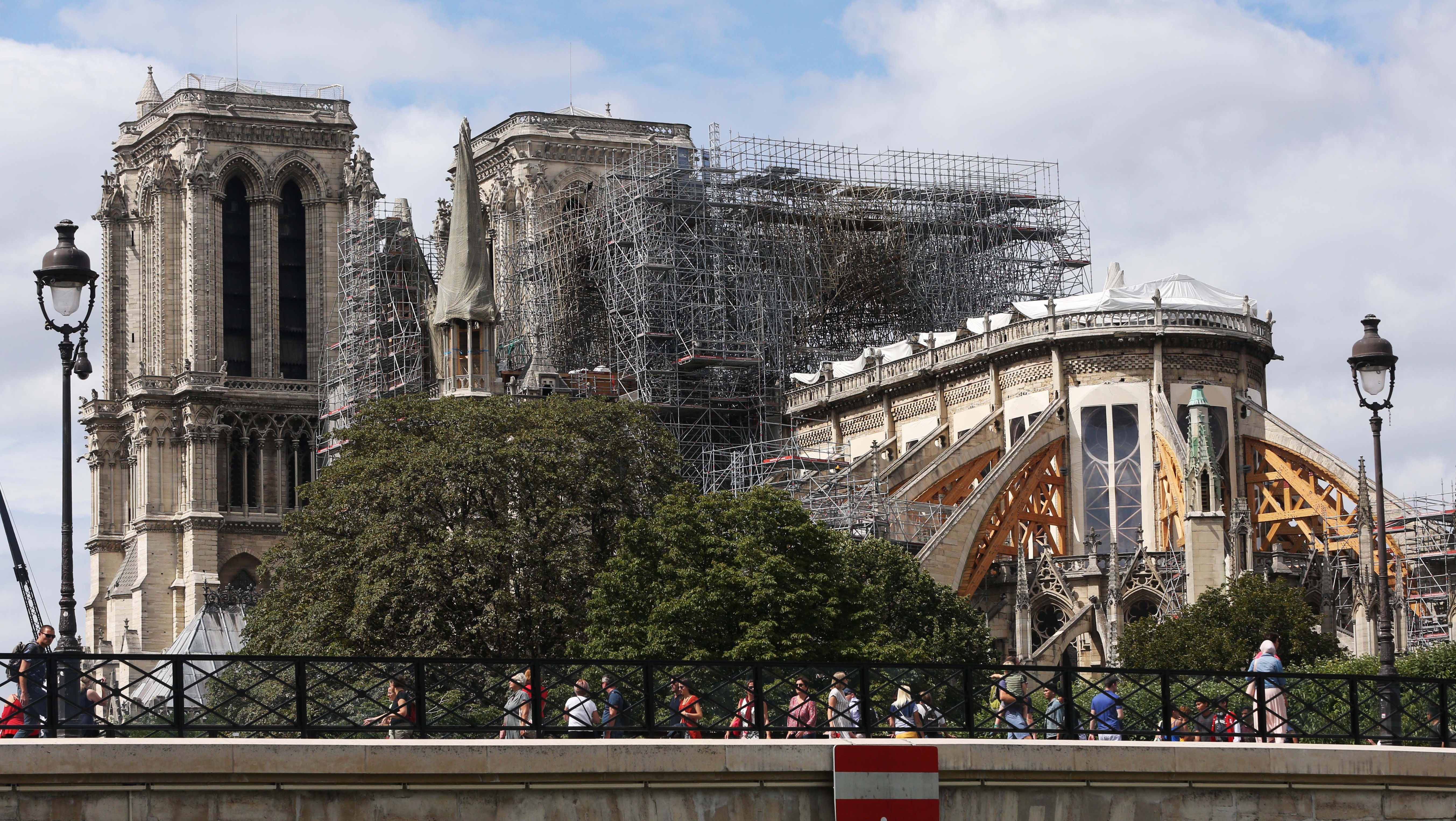 修繕中的巴黎圣母院