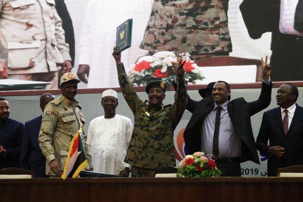 来之不易!苏丹冲突双方签署宪法宣言
