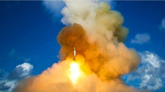 """英媒警示核军备竞赛重现令世界""""更危险"""""""