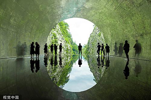 """<b>惊艳!中国建筑师在日本设计了一条""""光之隧道""""</b>"""