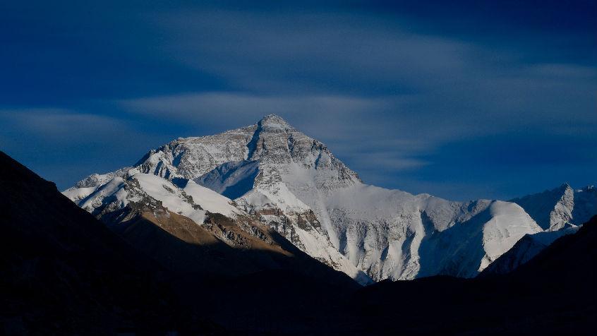 游客在珠峰留下大量垃圾 尼泊尔:禁止该地区使用一次性塑料