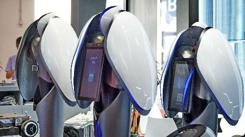 俄媒:2019世界机器人大会在北京开幕 各类机器人大显神通