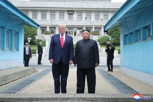 """外媒:朝鲜再次疑似试射导弹 特朗普称朝鲜试射""""合乎规范"""""""