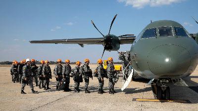 外媒:巴西出动4.4万士兵为亚马孙灭火 邻国玻利维亚受波及