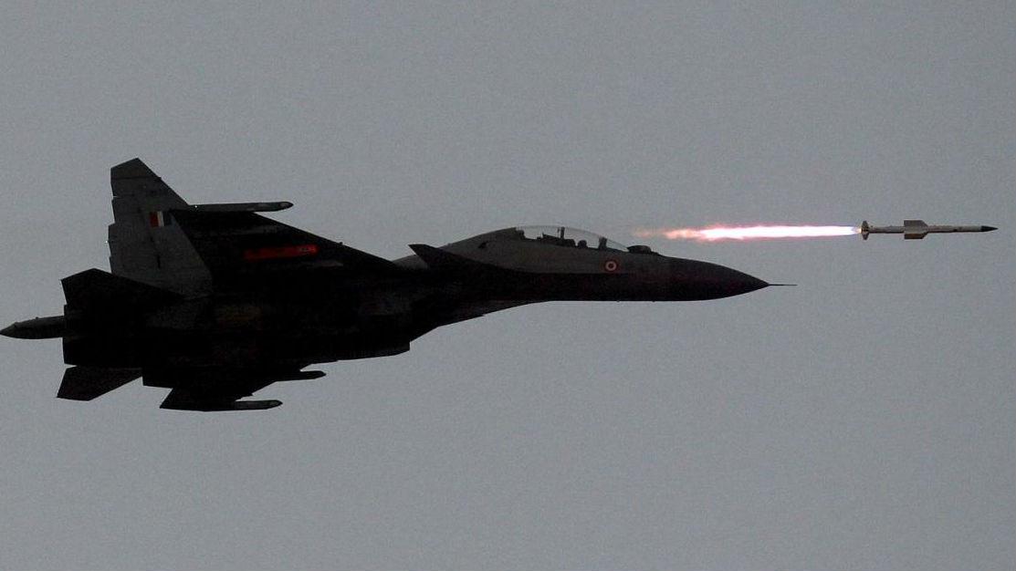 """印空军接收""""全新""""苏-30MKI战机 却发现装了二手发动机"""