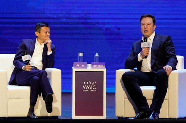 特朗普号召美企撤出中国之际 他却再度来到上海——