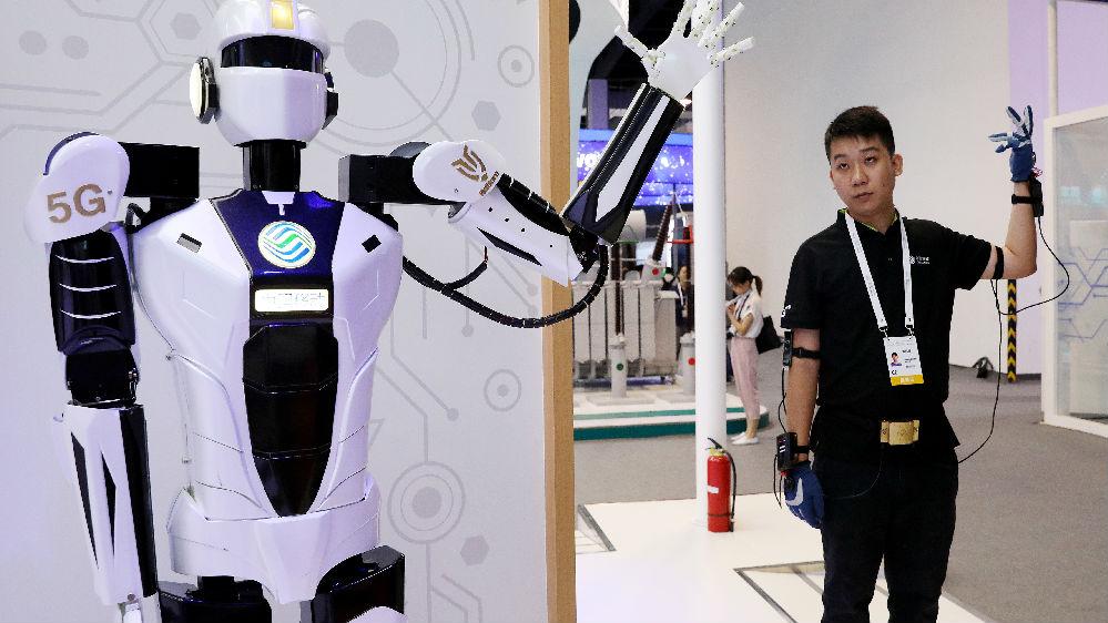 马云马斯克激辩人工智能未来:计算机能否超越人类?