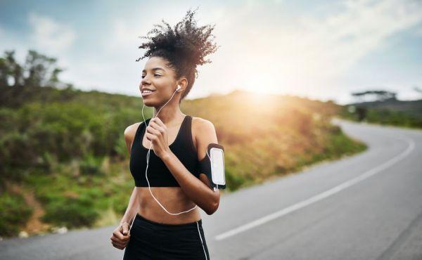 """坚持跑步很难?10个实用小技巧帮你""""挺""""到终点"""
