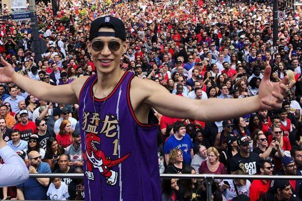 林书豪获选最受中国网民欢迎现役球员 港媒:NBA或从中摸出营销战术