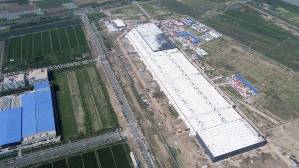7月23日无人机拍摄的特斯拉上海超级工厂。