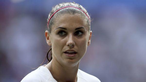 """美国女足球员摩根:C罗很伟大,但金钱帮他的""""性侵""""案撒了谎"""