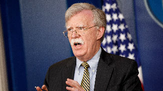 外媒:美国强硬外交或因博尔顿离职发生变化