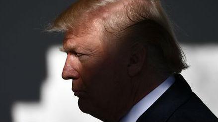 """日媒预测:特朗普""""自杀式萧条""""或明年爆发"""