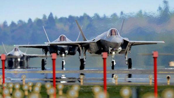 美国防部批准波兰购买32架F-35战斗机
