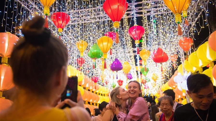 香港举行中秋彩灯会