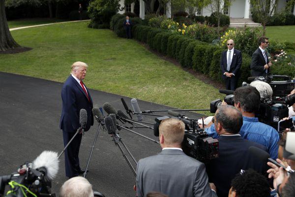 """5、2019年9月9日,美国总统特朗普称,美国与阿富汗塔利班的和平谈判""""已死""""。(新华社 美联)"""
