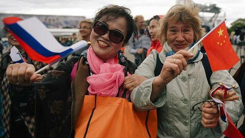 """首届""""中国文化节""""在俄开幕 俄罗斯人对中国文化兴趣大"""