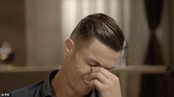 C罗谈及父亲潸然泪下:我的高光时刻他都没见到