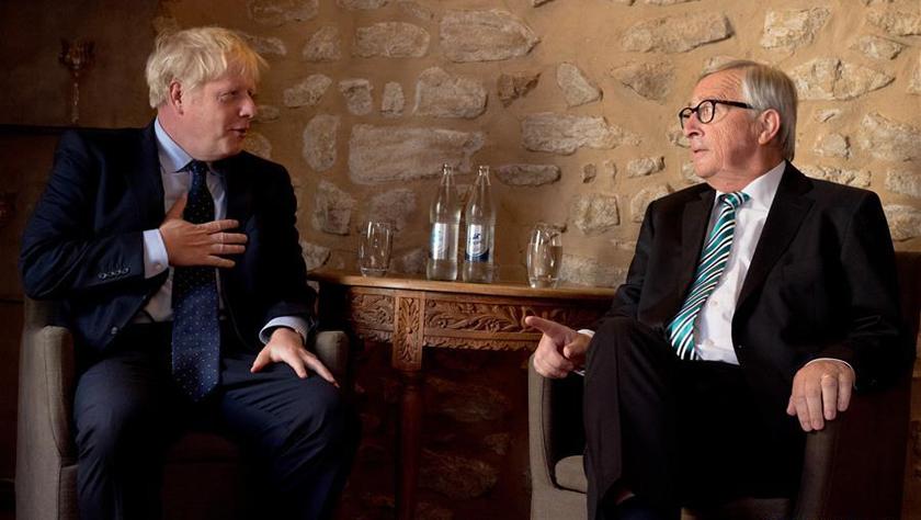 """英国首相与欧盟委员会主席举行""""脱欧""""会谈"""