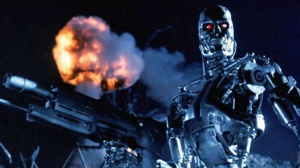 """《终结者》电影或成真?专家称须防AI武器""""反噬"""""""