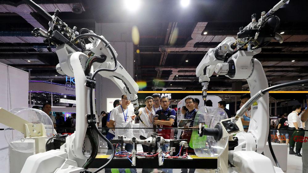 """港媒:中国拿下工业机器人市场""""六连冠"""""""