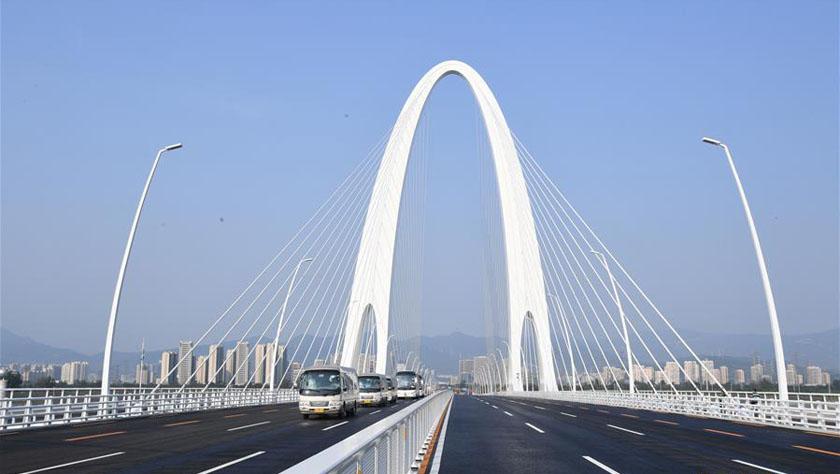北京:新首钢大桥开通