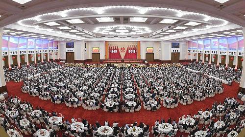 中国盛典高举团结和平旗帜 激起世界强烈共鸣