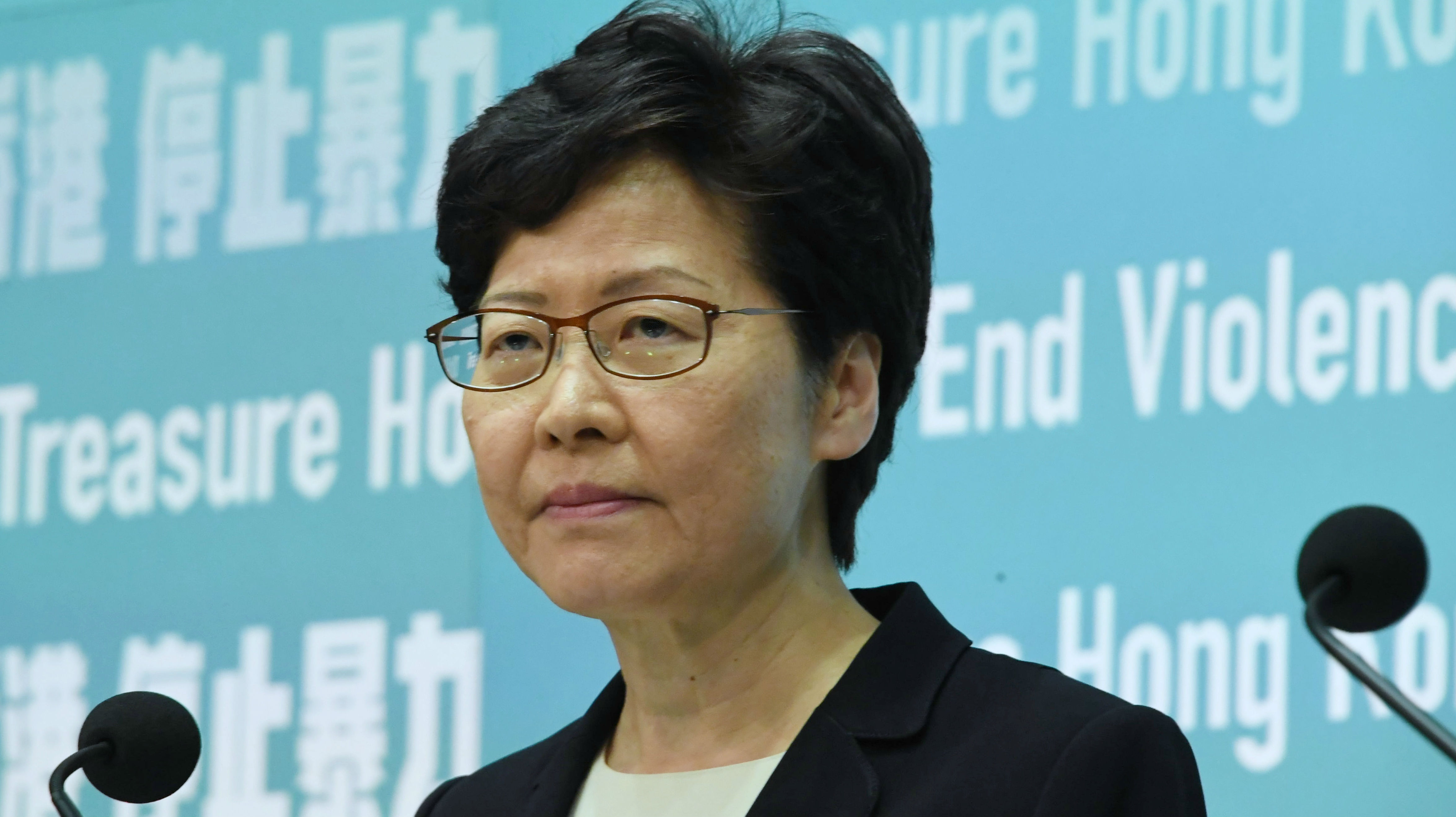 境外媒体:港府订立《禁止蒙面规例》 香港各界盼依法止暴制乱
