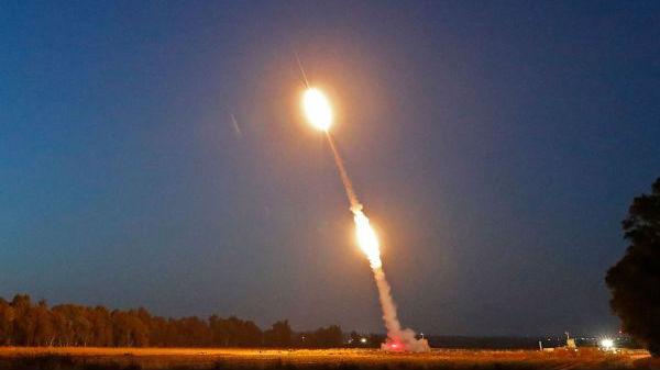 """以色列拟研制""""铁光束""""激光武器破解饱和攻击"""