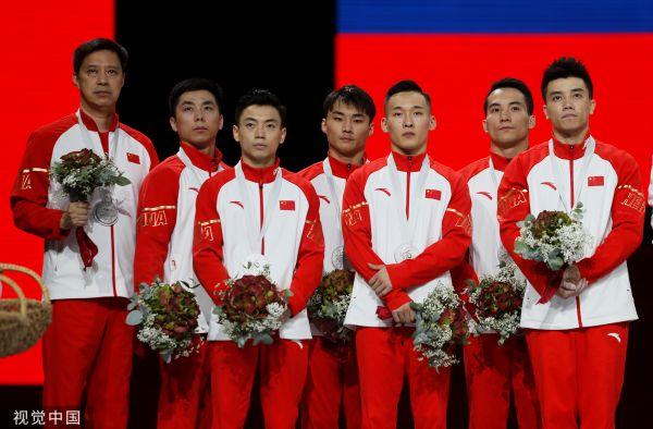 """体操世锦赛:孙炜""""掉杠"""" 中国男队卫冕失败遗憾摘银"""