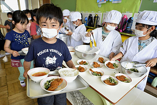 报告称日本儿童健康状况全球第一 法媒:得益于学校午餐