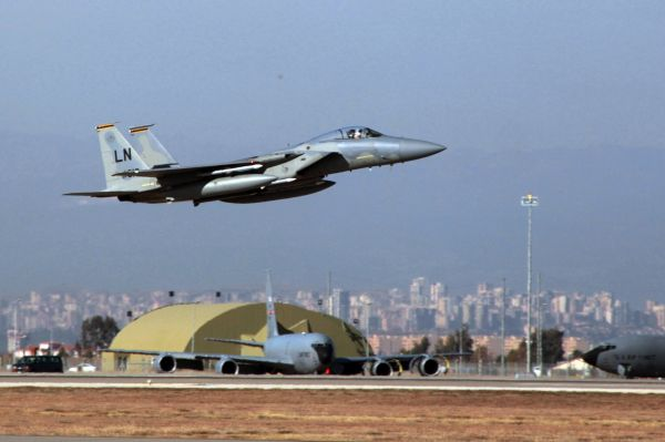 用钱摆脱僵局?美媒称美国或从土耳其手中买下S-400