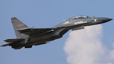 昂首升空!南部战区空军苏-30飞行训练