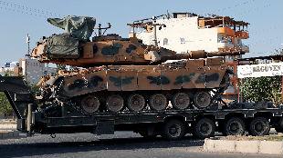 """外媒:土耳其军队在叙利亚""""大秀肌肉"""""""