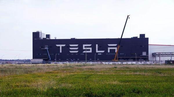 特斯拉上海工厂即将投产 拟每周生产至少千辆电动汽车