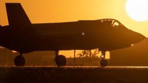 作战测试滞后 美F-35战机全面投产或被推迟