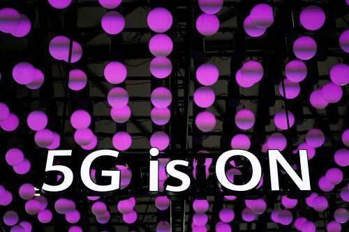 <b>5G渐近 全球智能手机或将改变颓势</b>