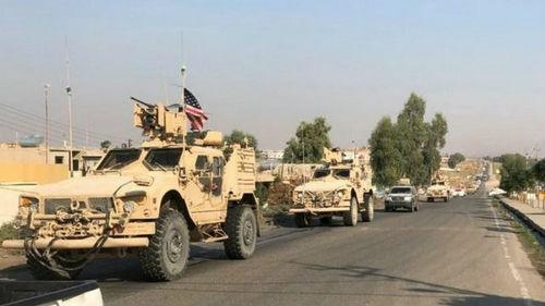 """美军炸毁自家基地""""转场""""伊拉克 库尔德武装撤出叙土边境重镇"""