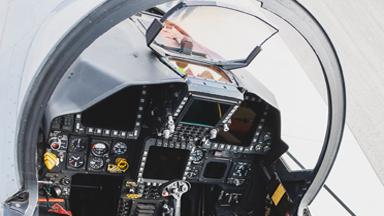美俄混搭!中国军迷首拍韩军F-15K座舱