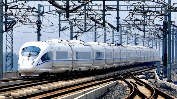 """英学者感叹中英铁路巨大反差:""""我太喜欢从上海到北京的高铁了"""""""