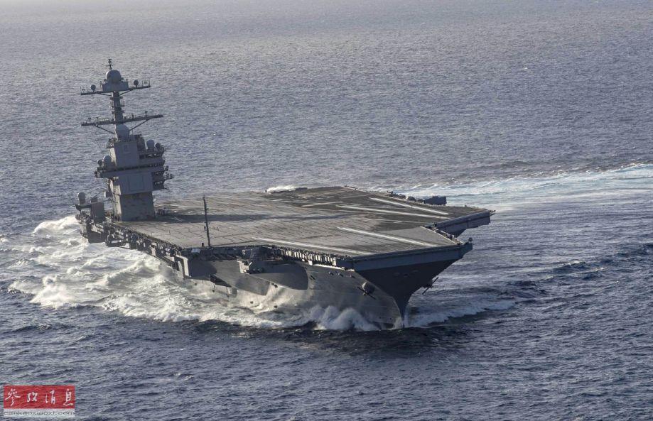 """正面航拍视角拍摄的美海军""""福特""""号航母。"""
