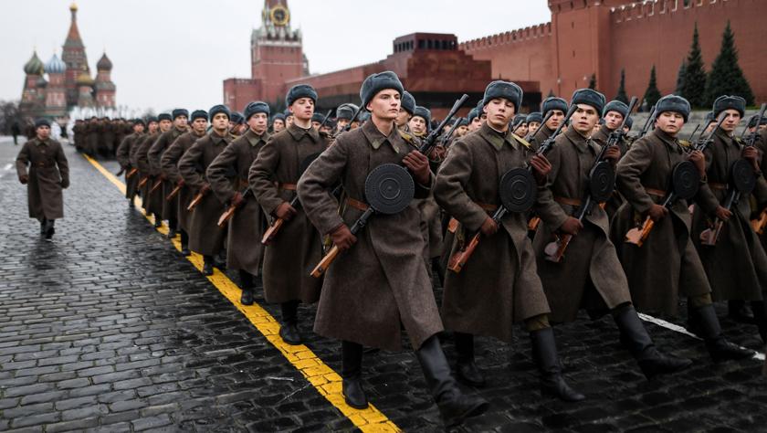 俄罗斯举行纪念1941年红场阅兵78周年彩排
