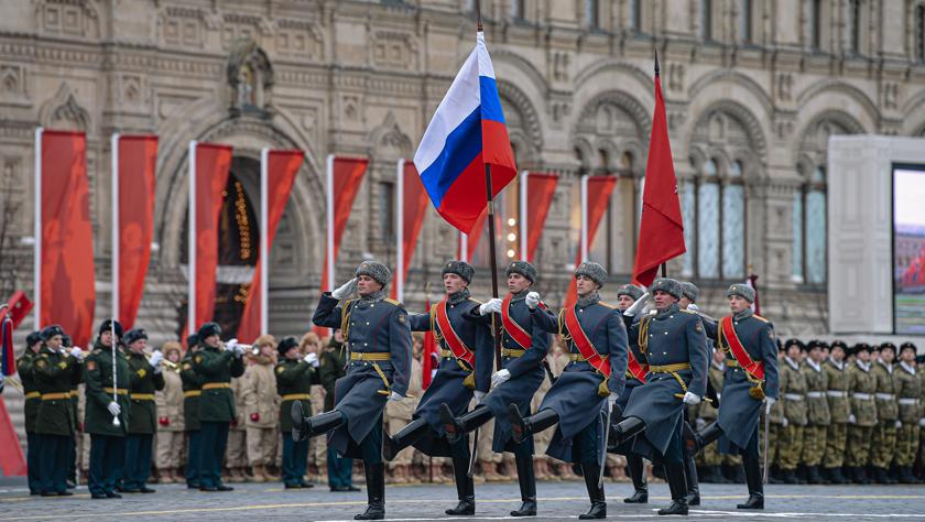 莫斯科举行阅兵纪念1941年红场阅兵78周年