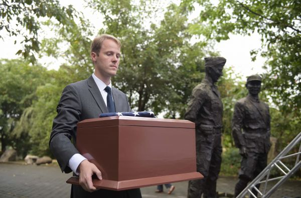 外媒:美盼与中方合作搜寻二战美军遗骸