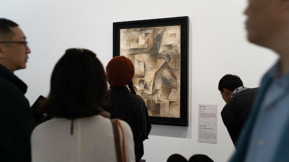 """英媒:过去5年艺术周""""场面火爆"""" 上海正在改变世界艺术秩序"""